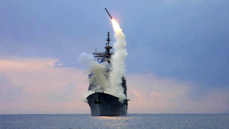 РТ: САД отворено утиру пут за размештање ракета у Европи и Азији забрењених споразумом - Лавров