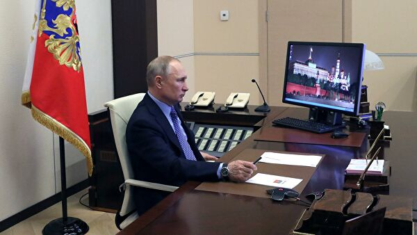 Песков: Председник Путин ових дана ради на даљину