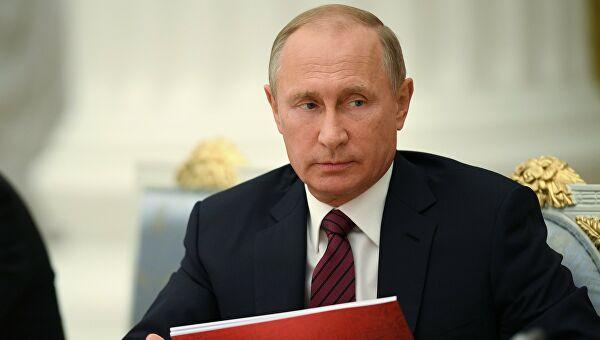 Путин потписао закон о увођењу новчаних казни за кршење карантина и ширење лажних информација