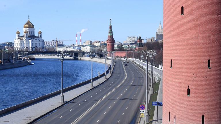 РТ: Путин продужио нерадне дане до краја априла због повећаног броја  случајева коронавируса