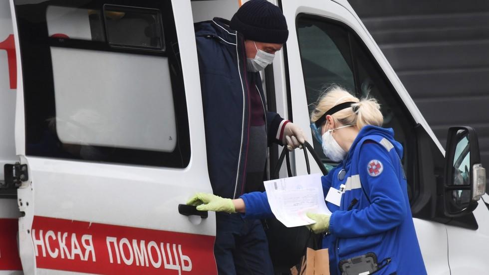 RT: Broj slučajeva koronavirusa u Rusiji premašio 10.000 nakon rekordnog dnevnog porasta