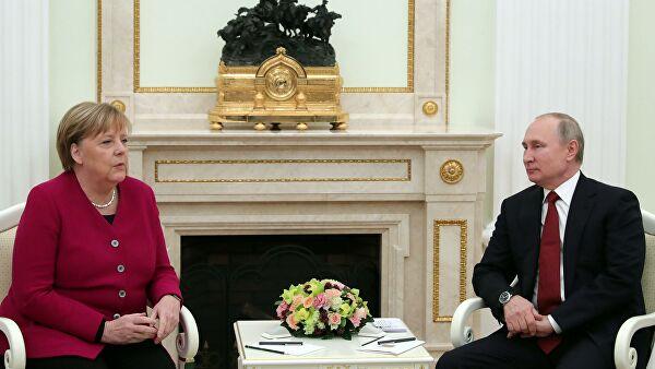 Путин и Меркелова разговарали о борби против пандемије коронавируса