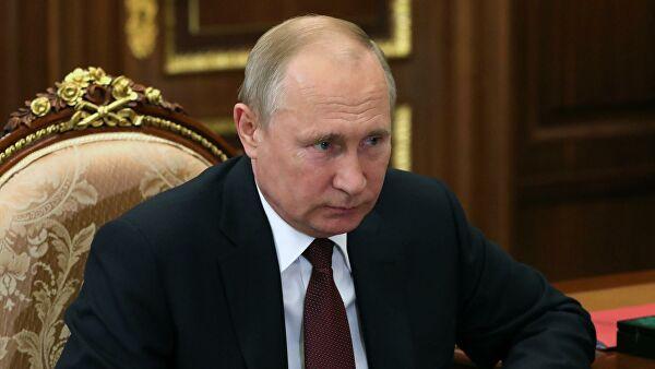Путин позвао да се без обзира на ситуацију са короном, настави динамика решавања стратешких задатака и реализација великих пројеката