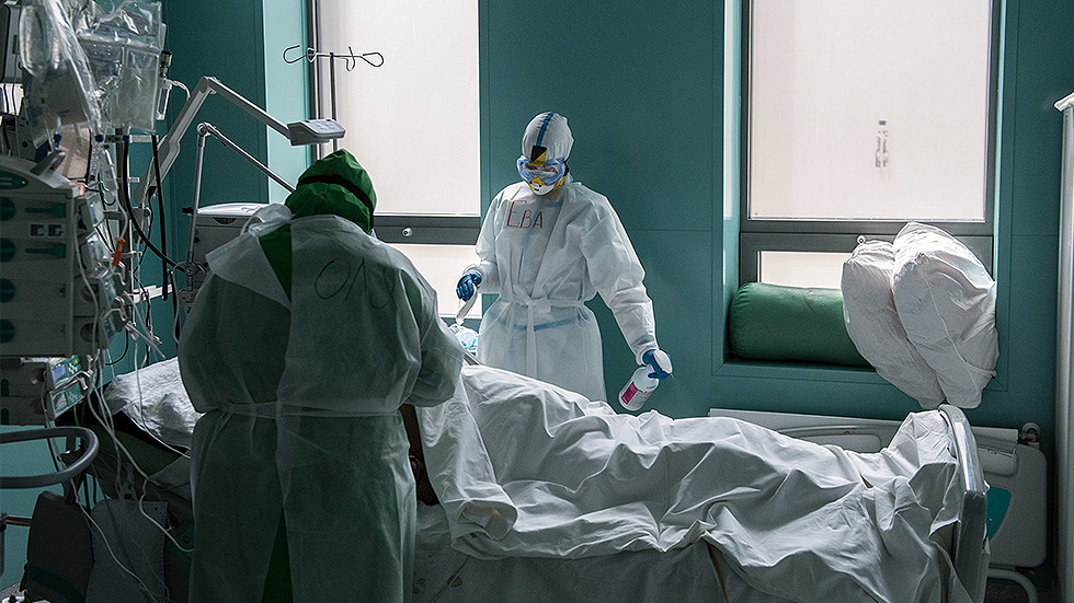 """РТ: """"Нема потребе за јавним суђењима западним новинарима, али кључно је одговорно извештавање"""" - Лавров о недоказаним наводима о коронавирусу"""