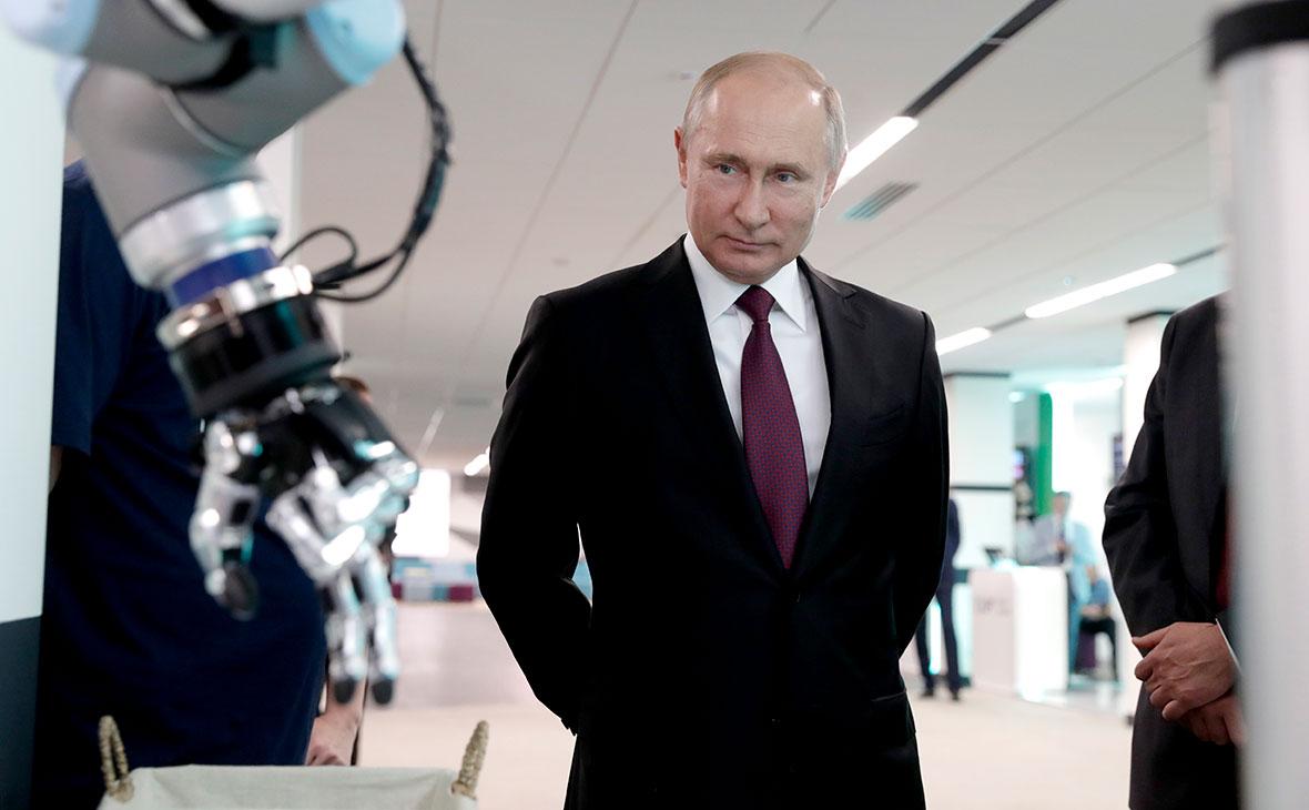 Путин: Русија треба да улаже напоре за развој високих технологија, како би сачувала своју цивилизацију