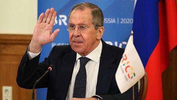 Лавров: Москва сумња да Вашингтон спроводи планове за премештање свог нуклеарног оружја из Немачке у Пољску