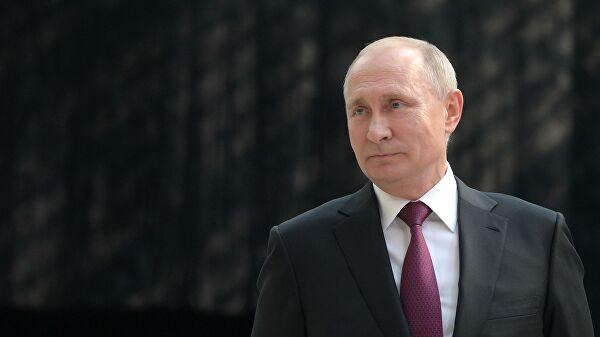 Путин: Руски језик обједињује све народе Русије, темељ је нашег националног идентитета