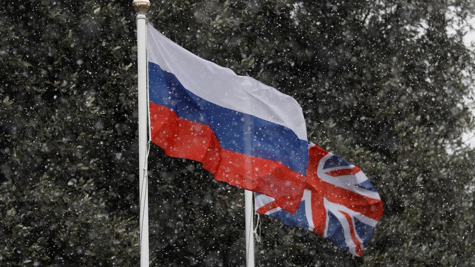 RT: Britanske optužbe za hakovanje i mešanje nemaju smisla, ali Rusija je spremna da okrene stranicu i sarađuje sa Londonom - ruski ambasador