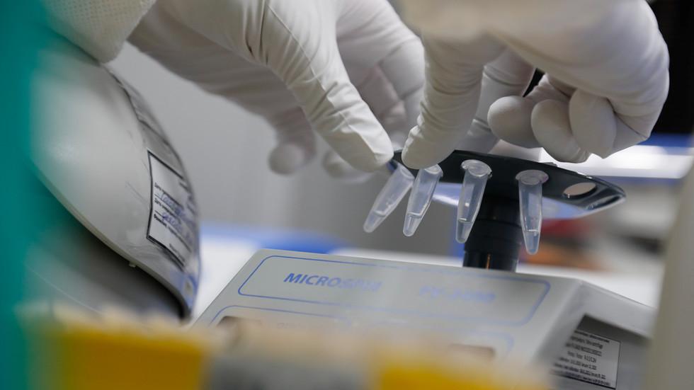 РТ: Русија планира да у октобру вакцинисање против коронавируса, почевши од медицинских радника и наставника - Министарство здравља