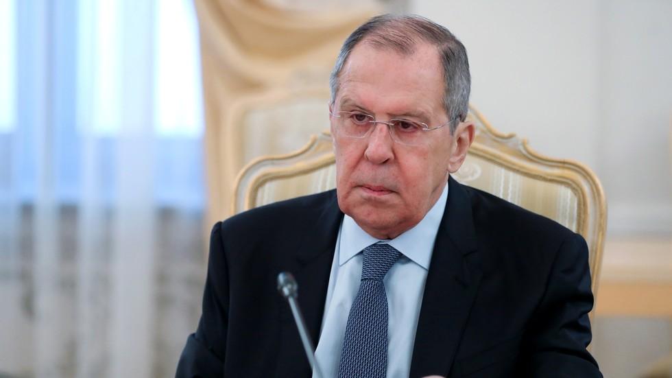 РТ: Борба против Русије постала егзистенцијална потреба НАТО-а јер ако се смање тензије савез нема сврхе - Лавров