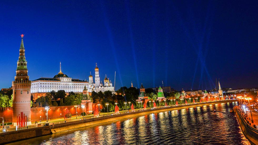 РТ: Најгори утицај коронавируса на руску економију прошао - Путин