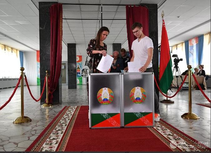 Путин: Русија признаје легитимитет председничких избора у Белорусији, то је то