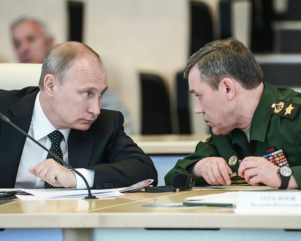 Герасимов: САД и НАТО не одговарају на предлоге Русије за разјашњење споразума о спречавању опасних војних активности