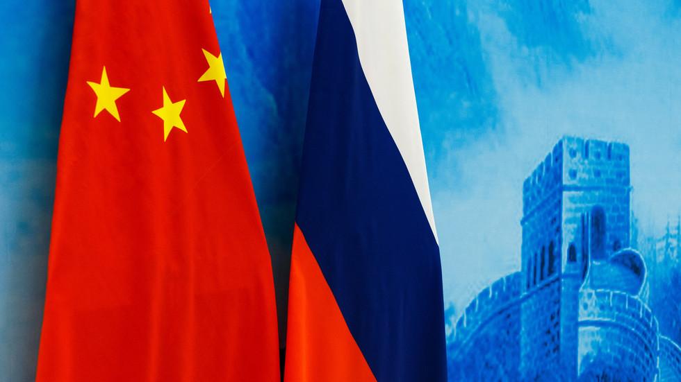 """РТ: Моћно војно савезништво Русије и Кине које мења игру је """"сасвим могуће"""" у будућности, али још увек није неопходно, каже Путин"""