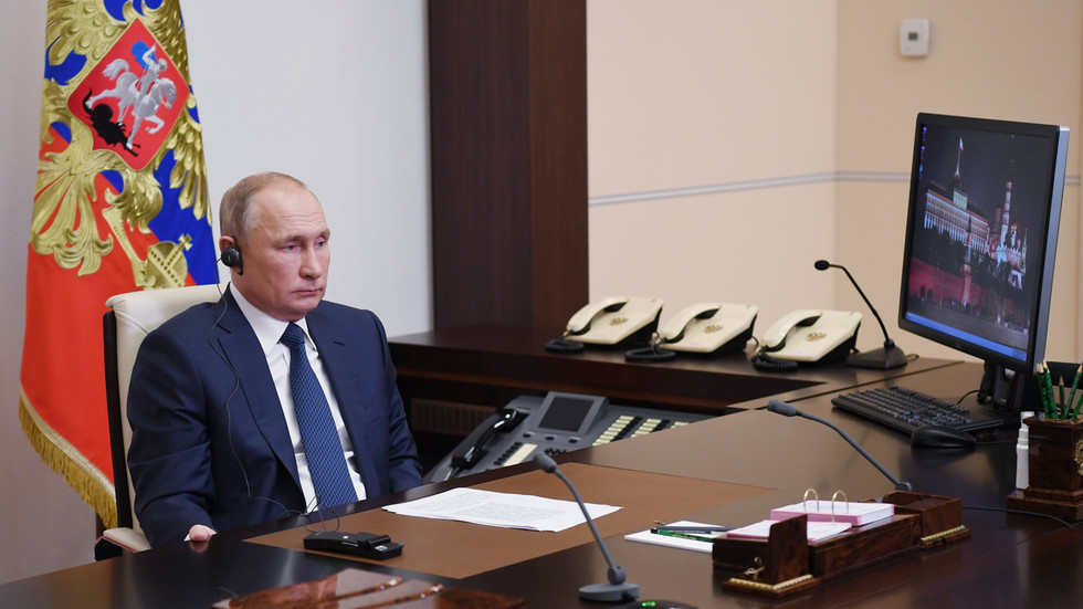 РТ: Руски мировњаци кренули ка Нагорно-Карабаху док Азербејџан и Јерменија потписују примирје - Путин