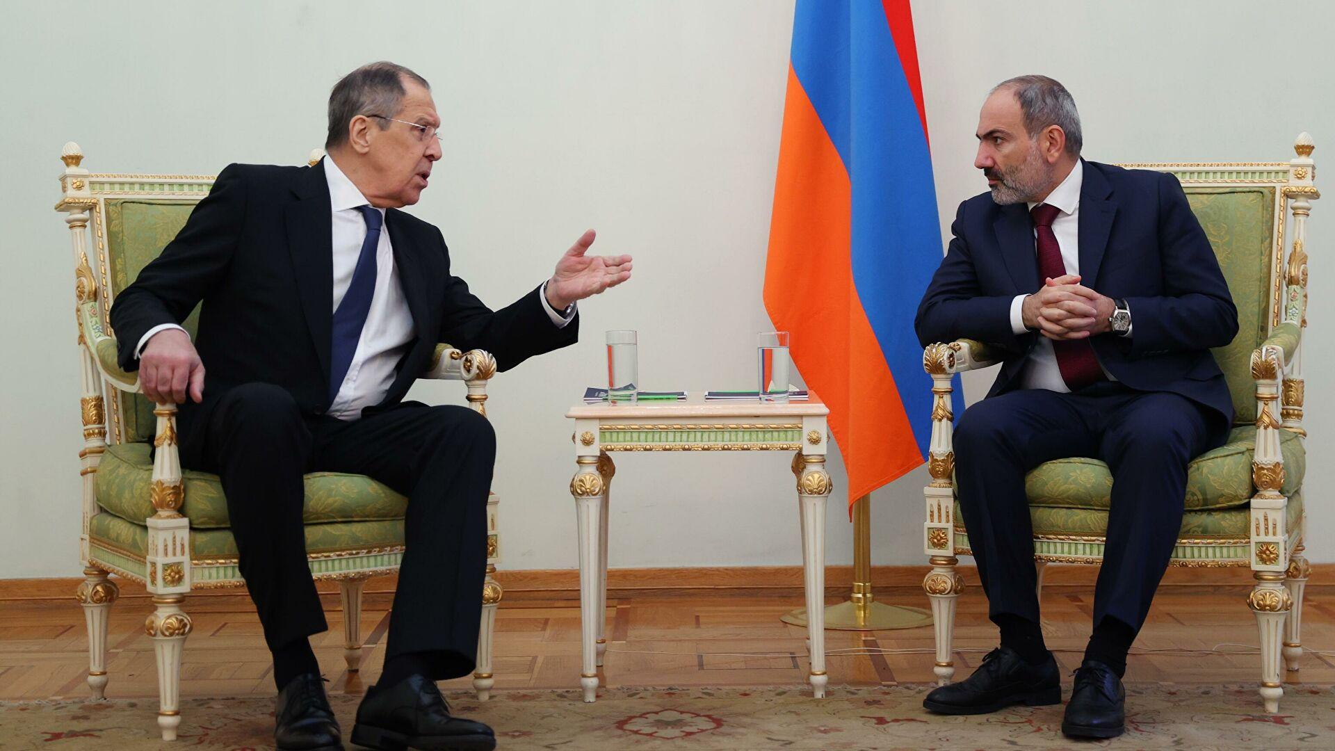 Лавров: Јерменија у потпуности привржена реализацији трилатералног споразума