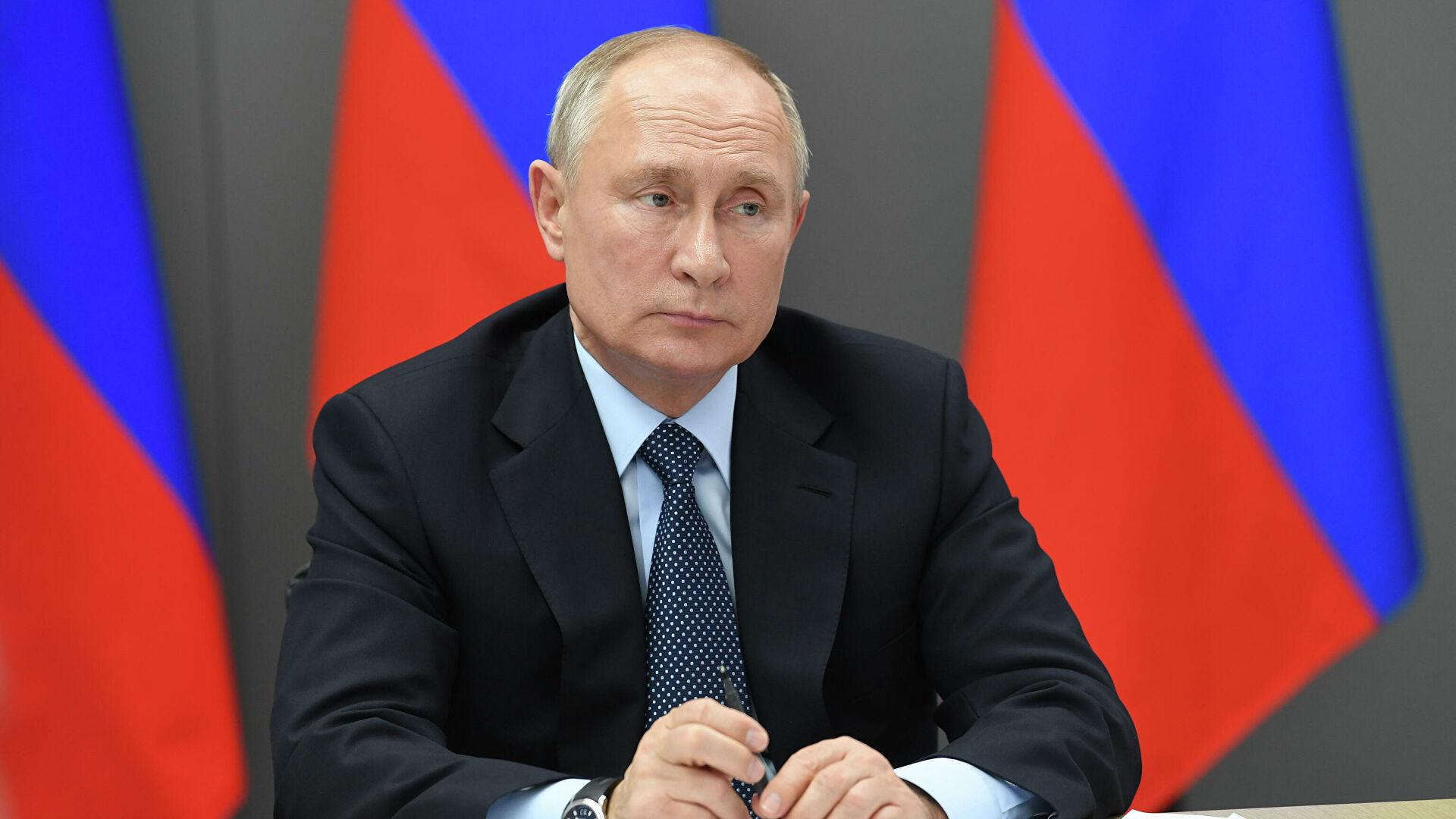 Путин позвао да се морални и етички стандарди прошире на интернет