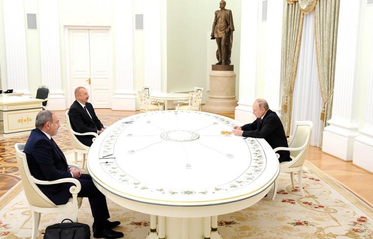 Путин, Пашињан и Алијев потписали заједничку изјаву о развоју Нагорно-Карабаха