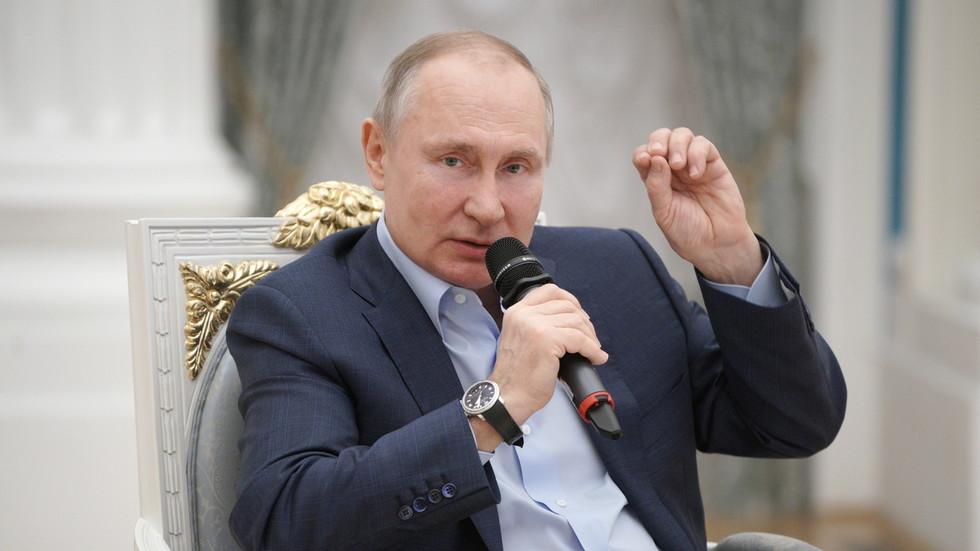 """РТ: """"Они су бубе и смрвићемо их!"""": Путин упутио оштро упозорење  активистима и криминалцима који искориштавају децу на интернету"""