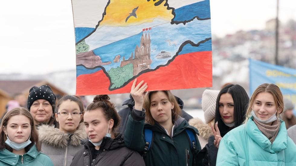 РТ: Западне обавештајне службе усмеравају руску опозицију да промене мишљење о Криму, наводи Министарство одбране