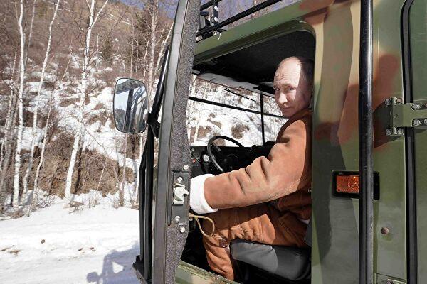Путин и Шојгу на одмору у сибирској тајги