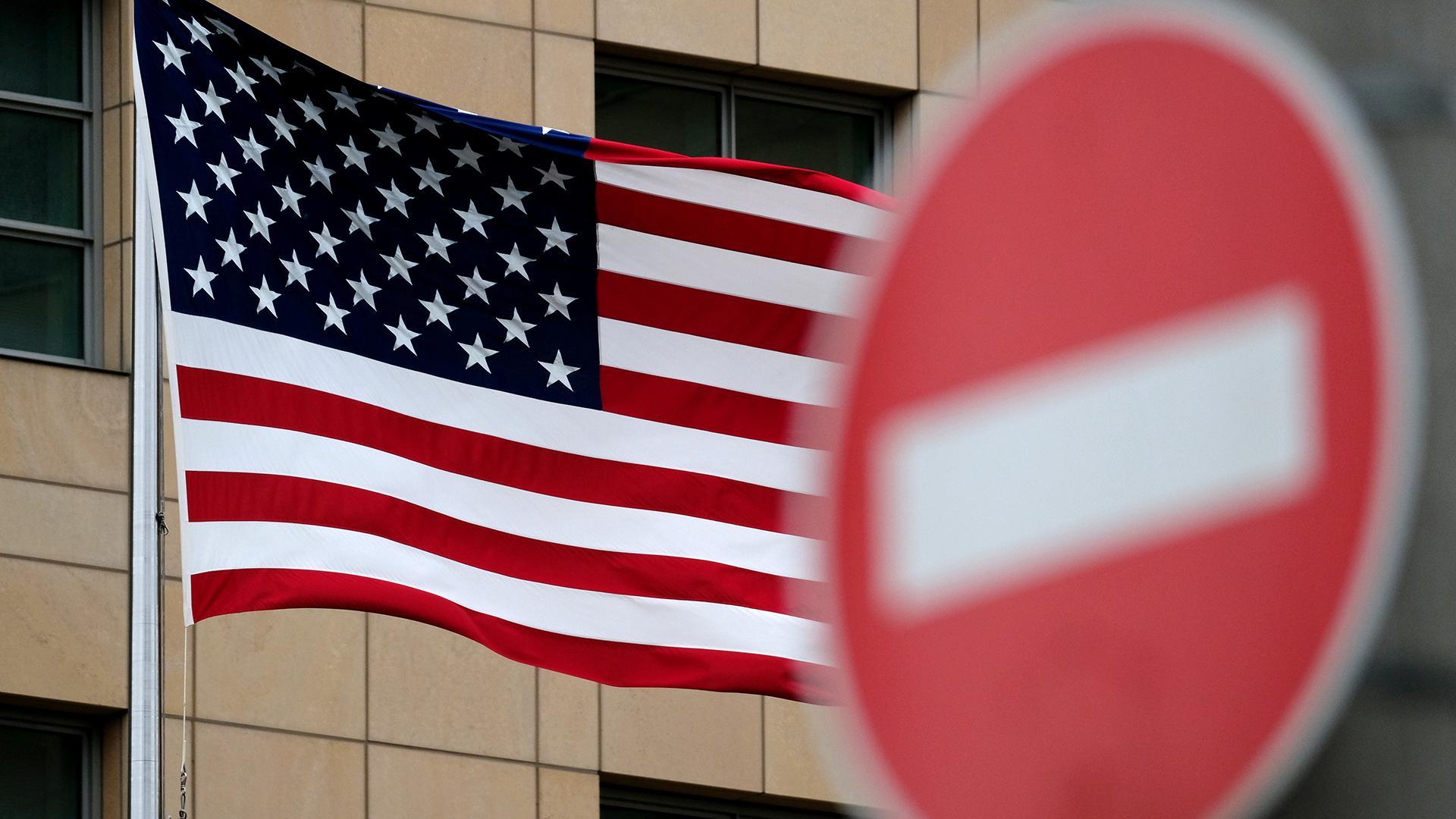 """Лавров: САД и западне земље очекују да други """"признају грешке"""" користећи само један инструмент у међународној арени - санкције"""