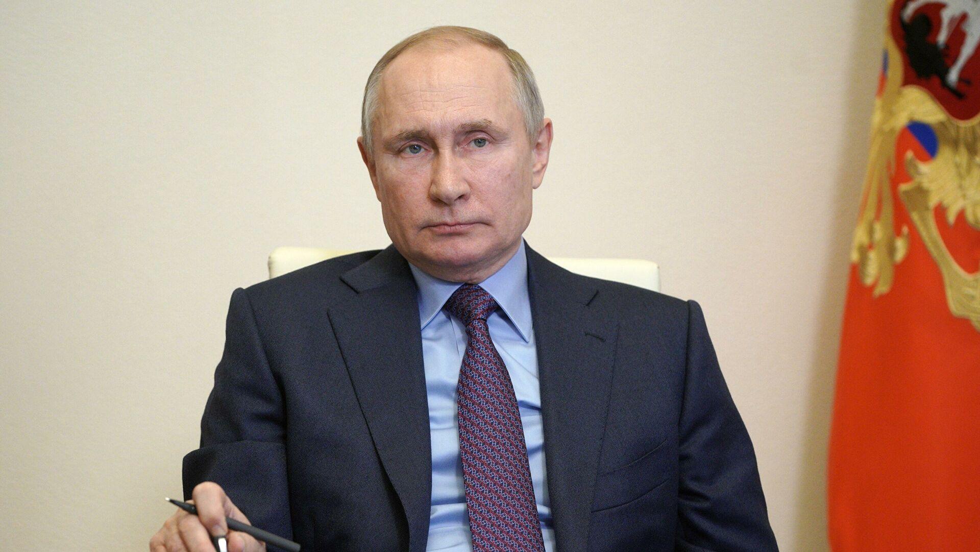 """""""Да би успешно решила проблеме, Русији су потребни не само ефикасна економија и компетентно управљање, већ и грађанска свест"""""""