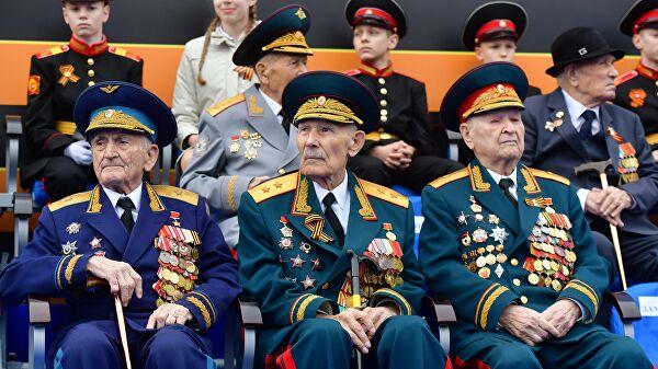 Путин потписао закон о пооштравању казни за вређање ветерана