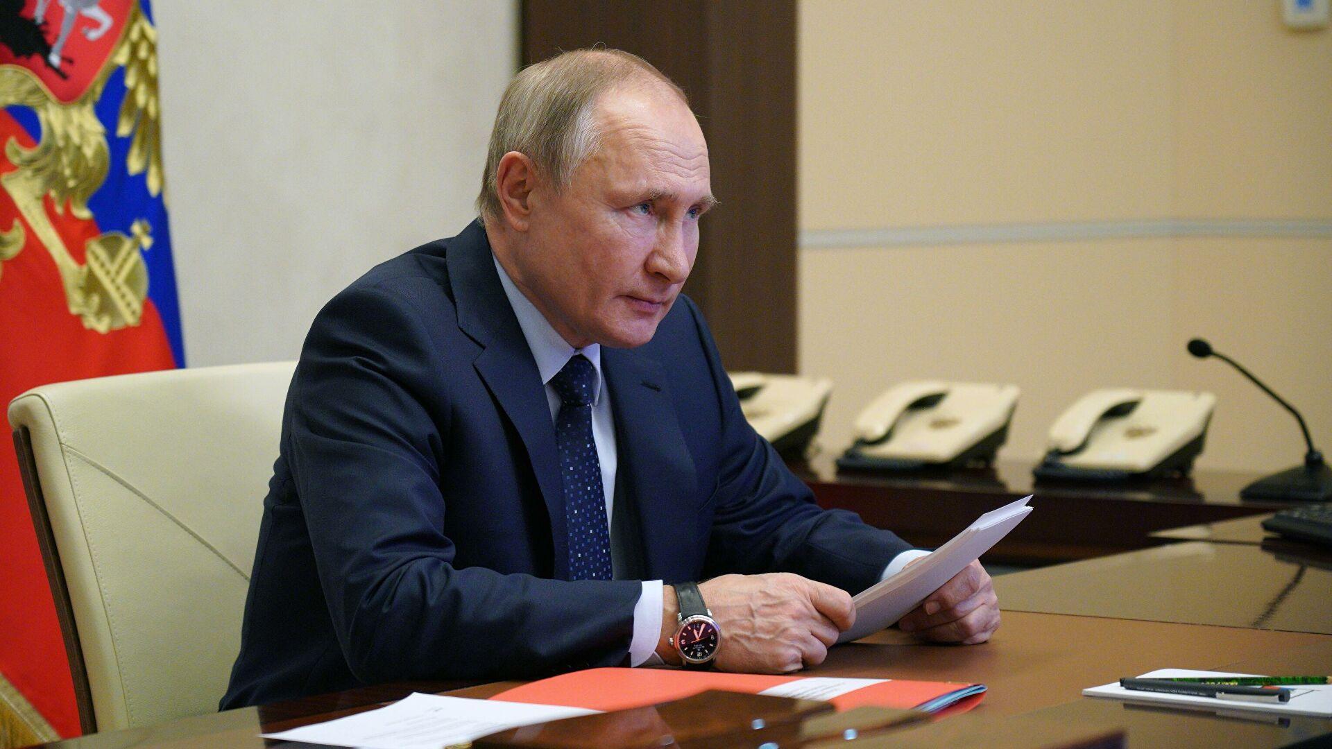 Путин потписао закон којим се председнику даје право да се кандидује још два мандата