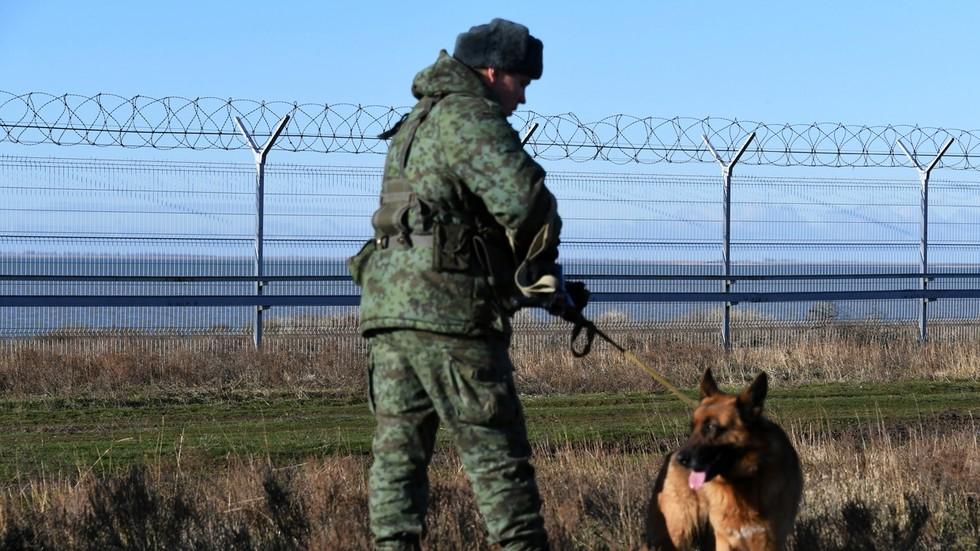 РТ: Кретање руске војске на граници са Украјином неопходно да би се обезбедила безбедност наше земље - Кремљ