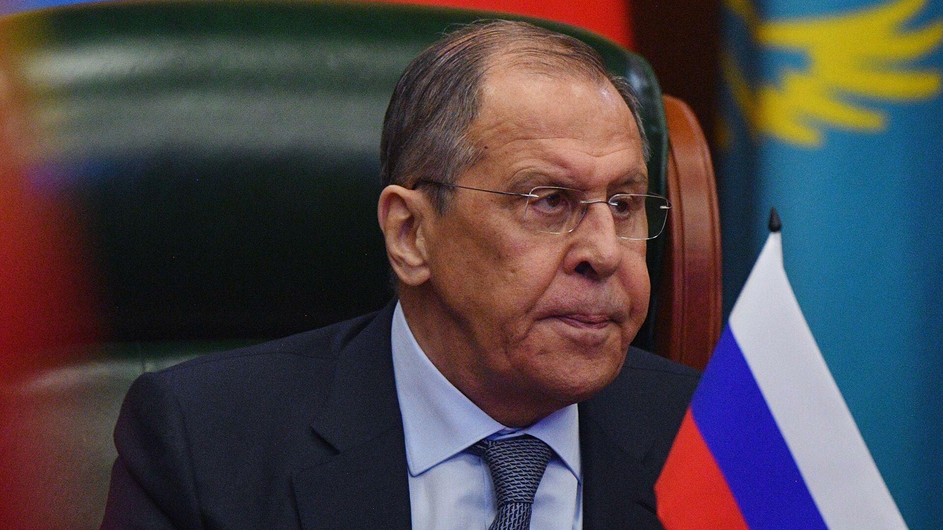 Лавров: Кијев крши све споразуме из Минска док Запад наставља да га подржава