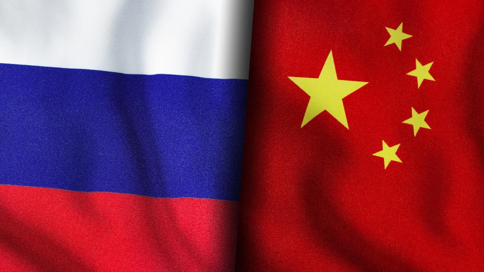 """РТ: Русија и Кина неће створити источни војни блок да би се надметале са НАТО-ом, јер су ексклузивни клубови """"контрапродуктивни"""", каже Лавров"""