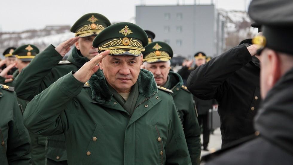 """RT: Ruske trupe na ukrajinskoj granici """"spremne da brane zemlju"""" u slučaju rata, kaže Šojgu upozoravajući na nagomilavanje snaga NATO-a"""