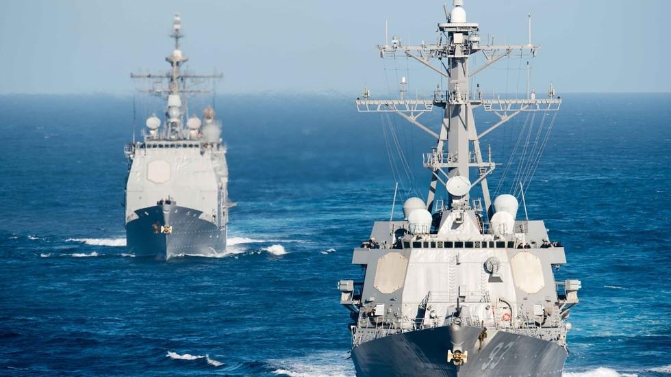 """РТ: САД би требало да се клоне Крима и Црног мора """"ради њиховог добра"""", каже Рјабков, док се амерички ратни бродови приближавају Русији"""