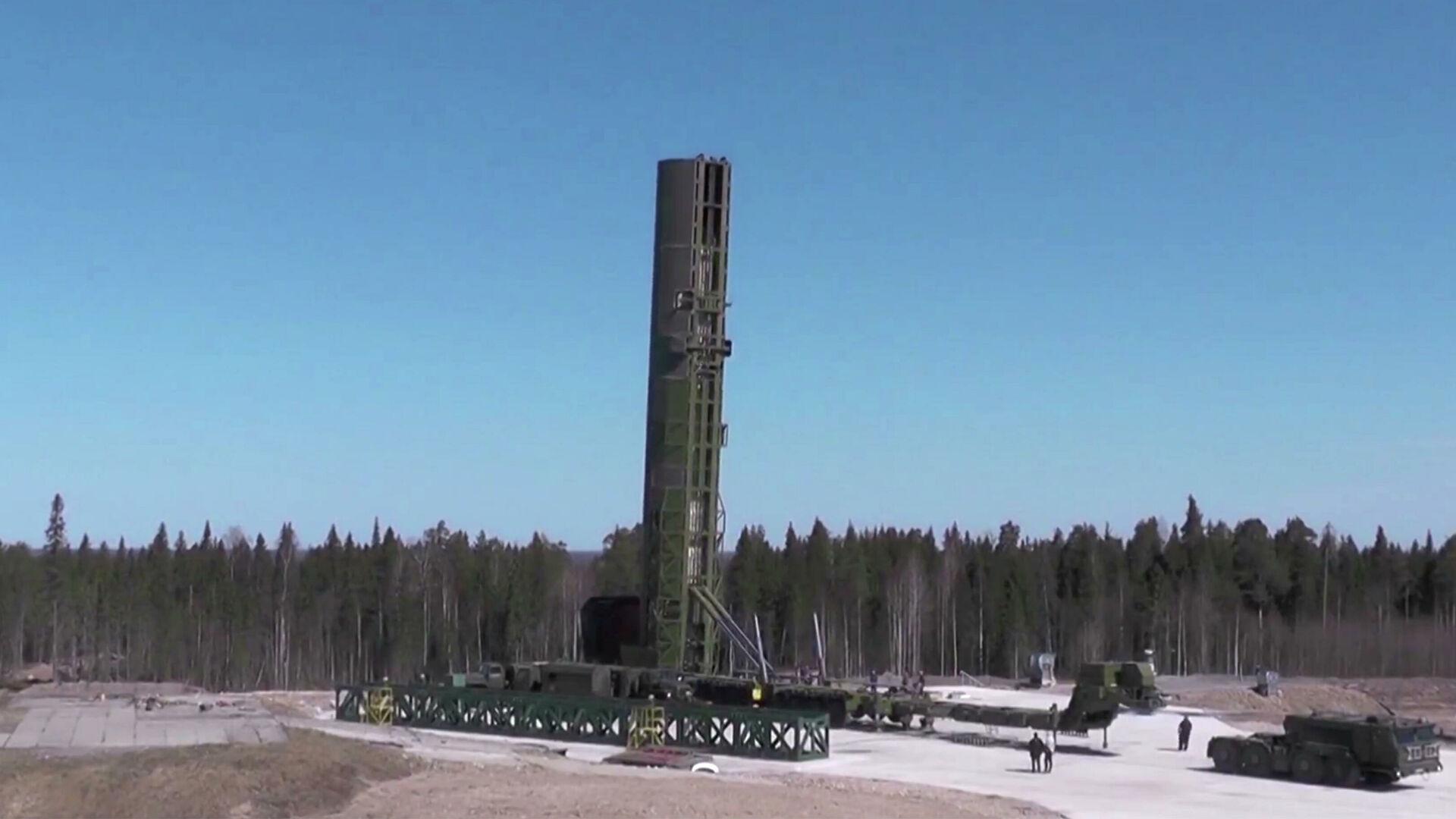 """Putin: Prvi puk interkontinentalnih balističkim raketama """"Sarmat"""" stupiće na borbenu dužnost krajem sledeće godine"""