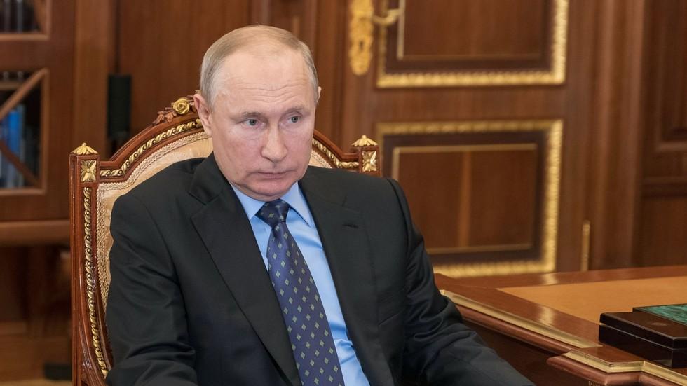 """РТ: Већина Украјинаца је """"паметна"""" да одбије НАТО, они знају да је то """"црвена линија"""" за Русију, а САД их желе само као """"топовско месо"""" - Путин"""
