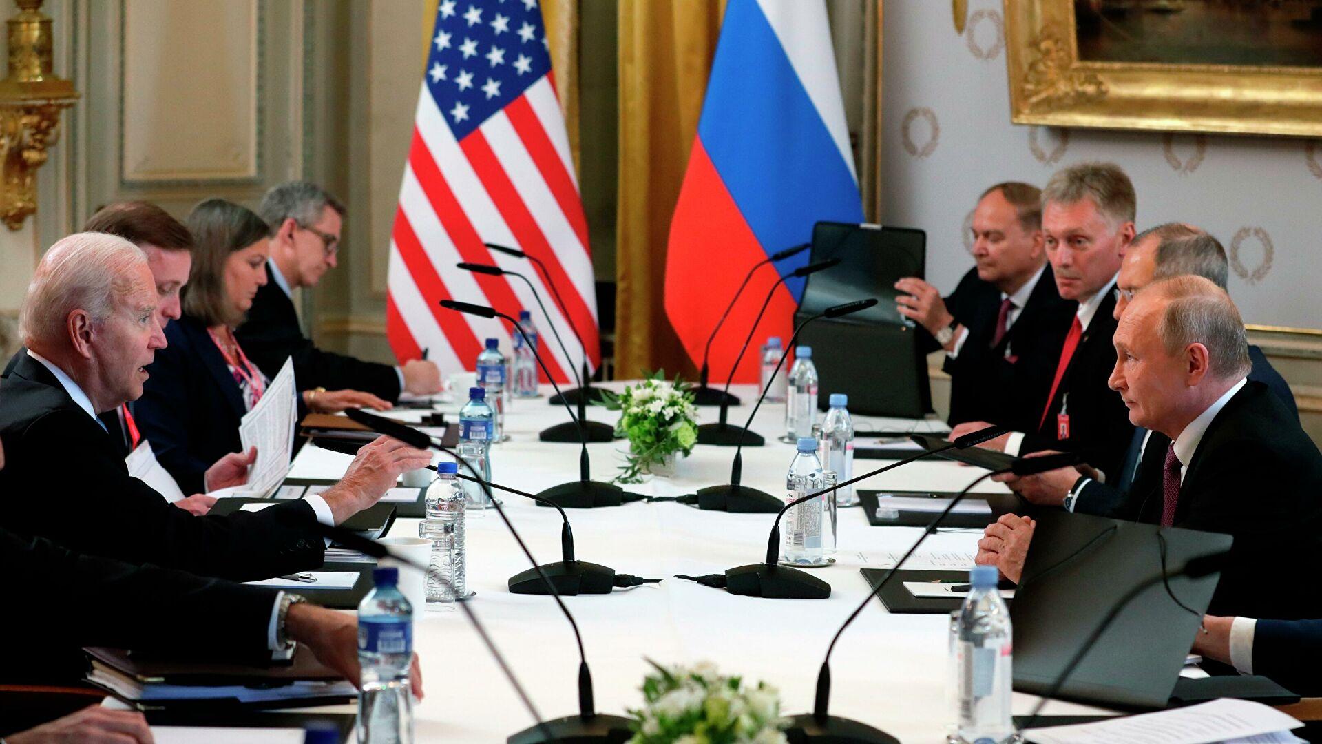 Путин: Разговор био конструктиван, враћају се амбасадори