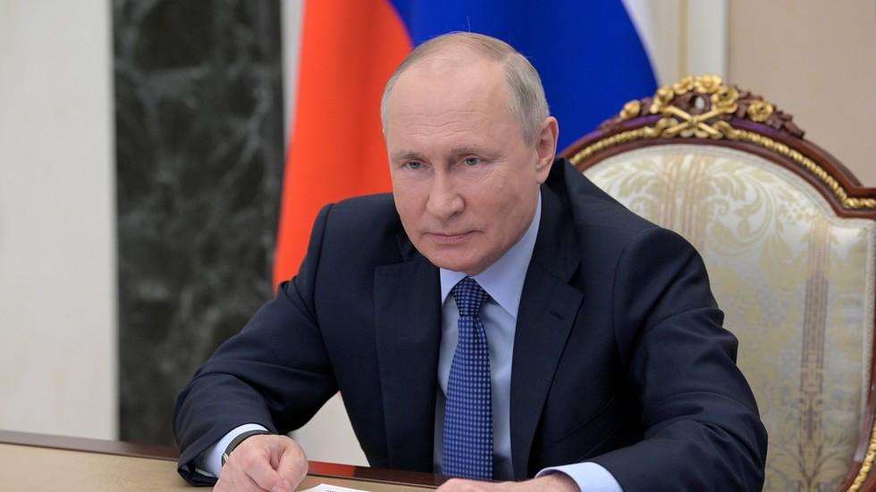 РТ: Совјети су са Западом радили на рушењу нацистичког наслеђа, али сада ширење НАТО-а ризикује да Европу поново растрга, каже Путин