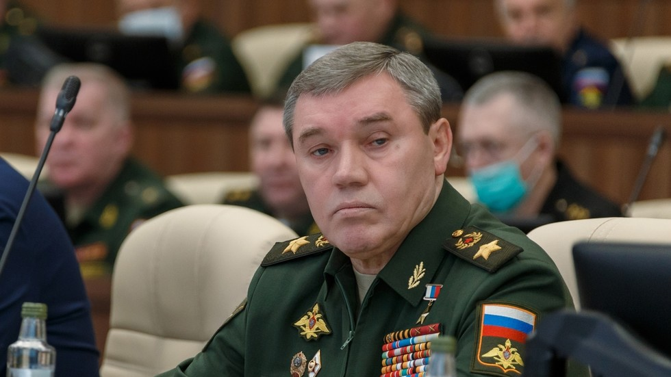 РТ: Герасимов објаснио да Москва задржава право да користи нуклеарно оружје ако га непријатељ употреби против Русије