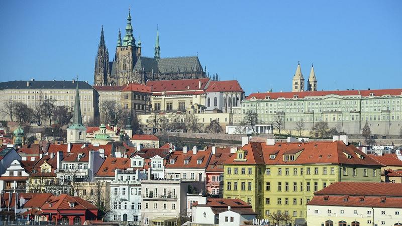 Чешки премијер: САД су у дијалогу са Русијом, зашто ЕУ то не може да учини