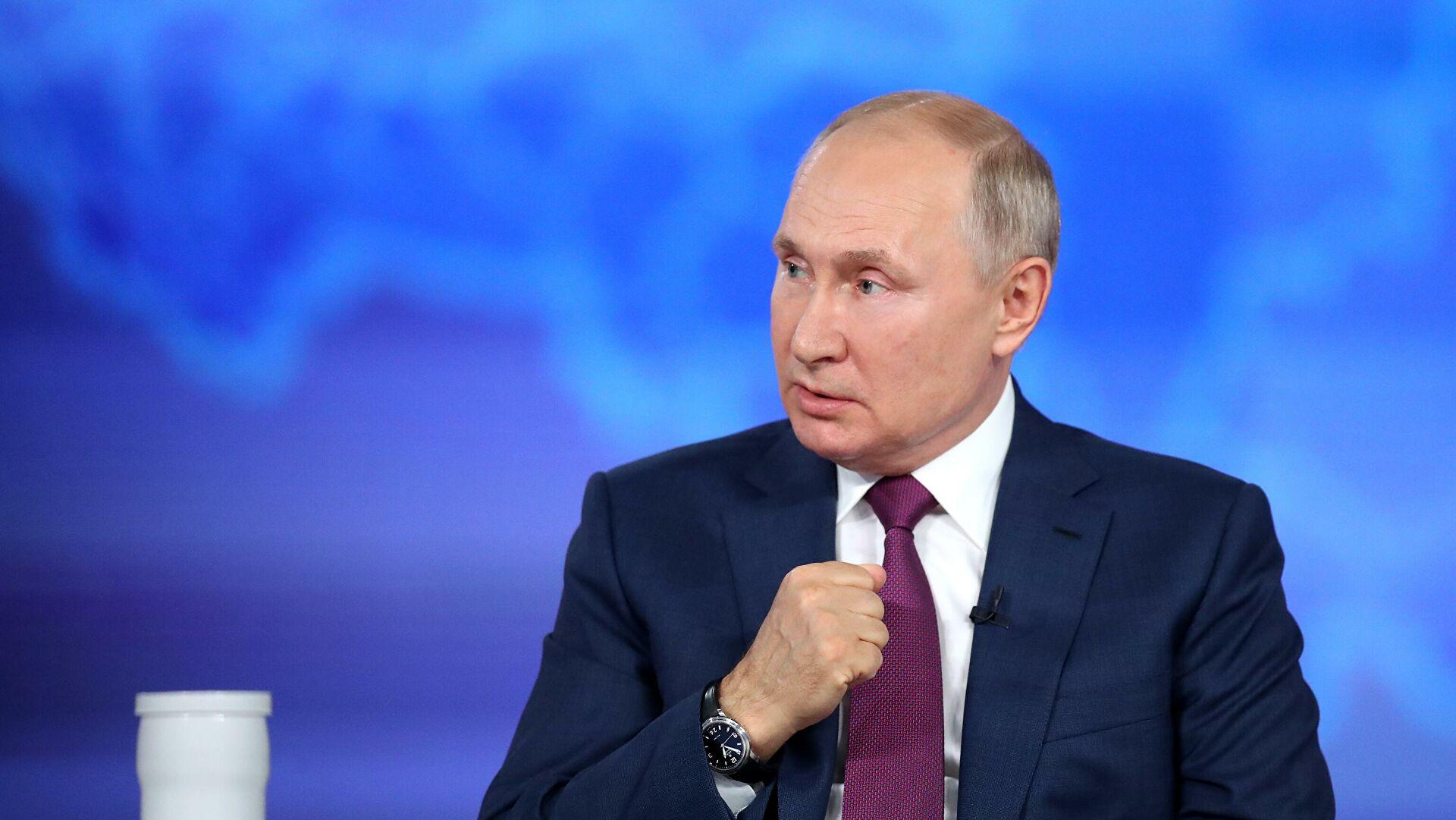 Путин: Чак и да смо потопили британски разарач свет не би био на ивици трећег светског рата