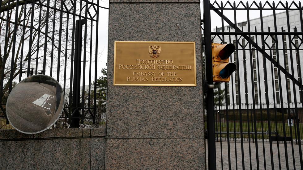 РТ: Обуставите опсесију Москвом и зауставите кршења људских права у свом дворишту, поручује руска амбасада у Вашингтону