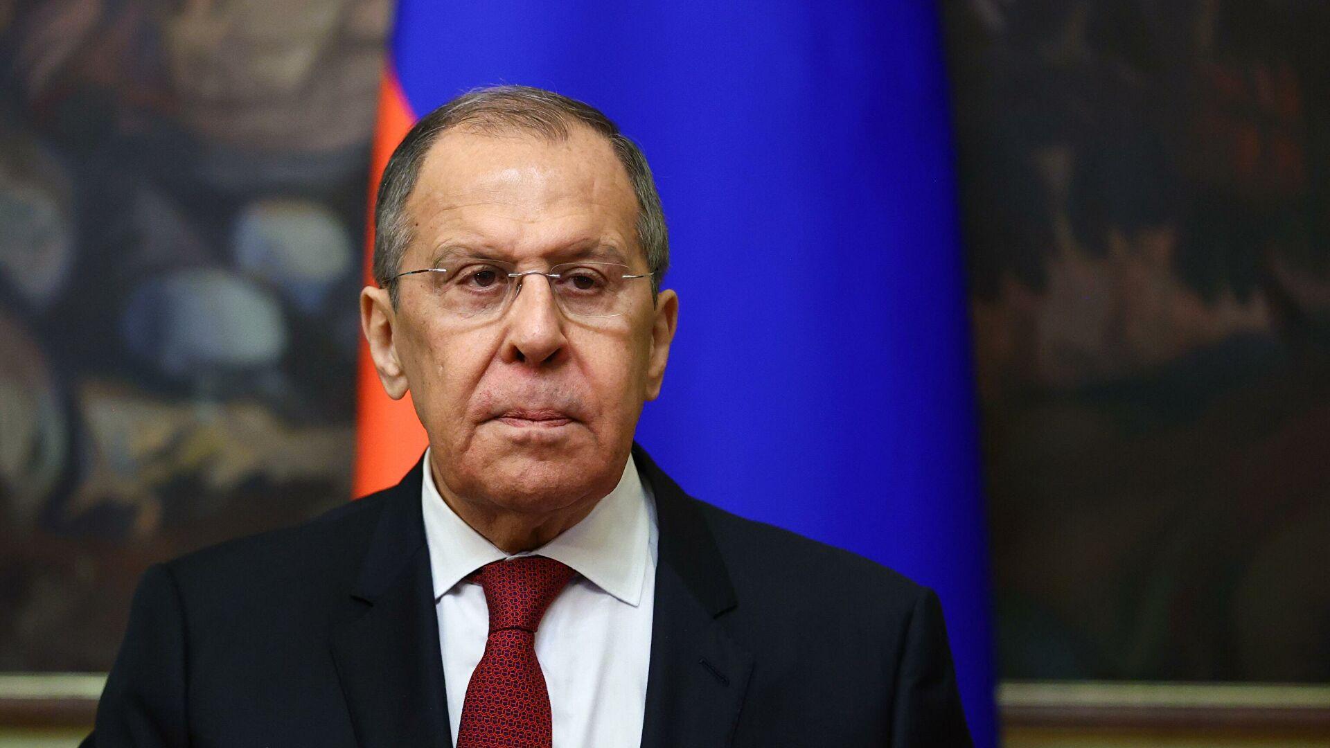 Лавров: Запад има користи од Украјине која ће стално лајати на Русију