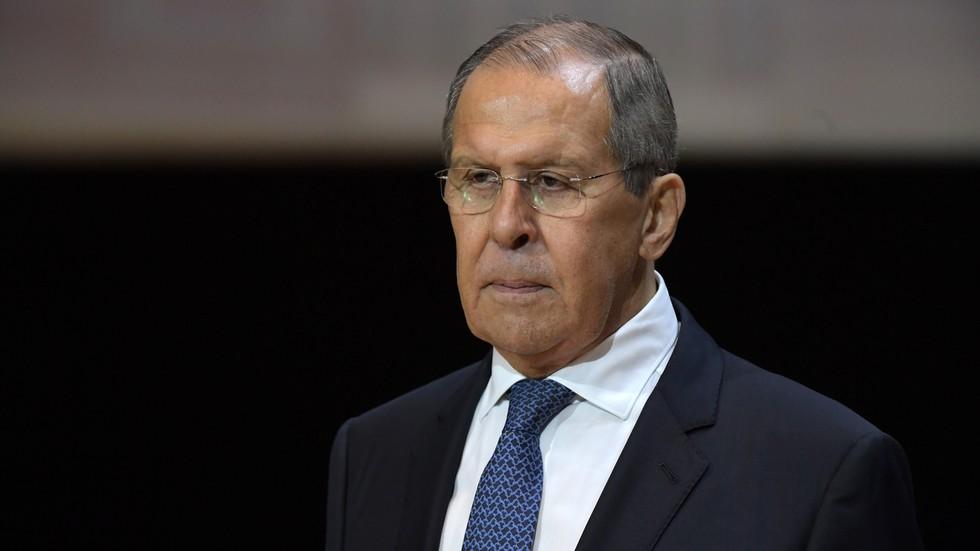 """RT: Svet je bio """"vakcinisan protiv virusa nacizma"""" u Drugom svetskom ratu, ali imunitet je oslabio u zemljama poput Ukrajine, kaže Lavrov"""