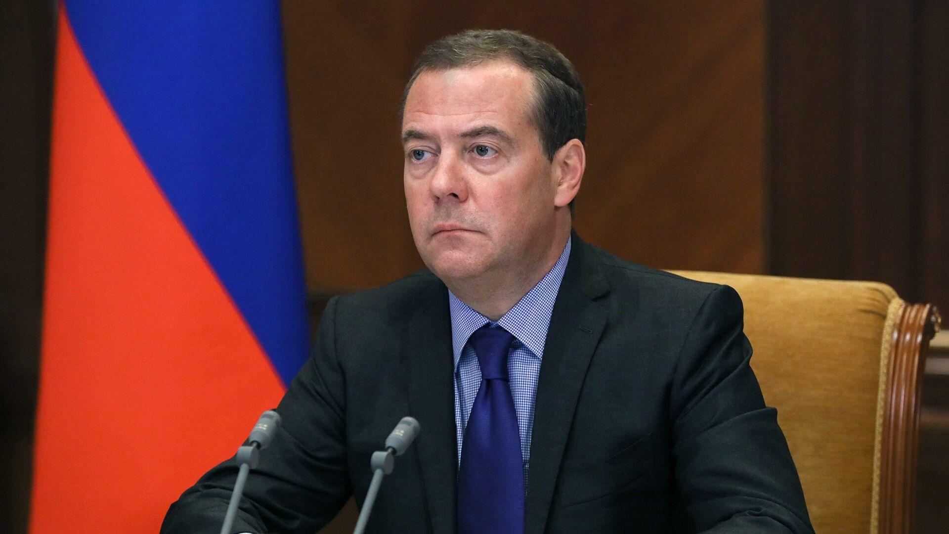 Medvedev: SAD faktički priznale propast svoje strategije uspostavljanja stalnog vojno-političkog prisustva