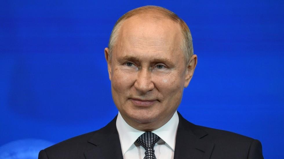 """RT: Putin 2024? Ruski predsednik odbio da otkrije da li će se ponovo kandidovati, te upozorio da je razgovor o tome """"destabilišući"""""""