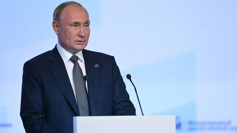 """RT: Kraj kapitalizma, transrodna deca, NATO, Drugi svetski rat, cenzura i još mnogo toga: O čemu je Putin govorio na """"Valdaju"""""""