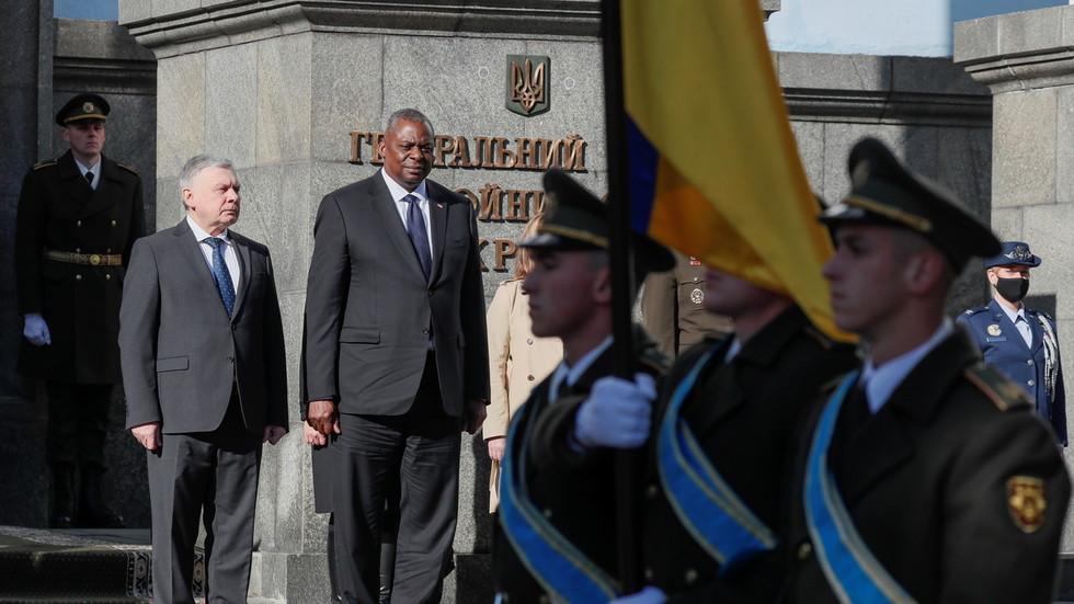 """RT: SAD otvorile vrata Ukrajini za pridruživanje NATO-u, kaže Putin, upozoravajući da bi Zapad mogao da stavi rakete """"pod nos Rusije"""""""