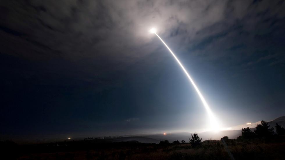 """РТ: Повлачење САД из нуклеарног споразума ризикује да изазове """"нову трку у наоружању"""" у Азији, наводи Путин, након тврдњи да је Кина тестира"""