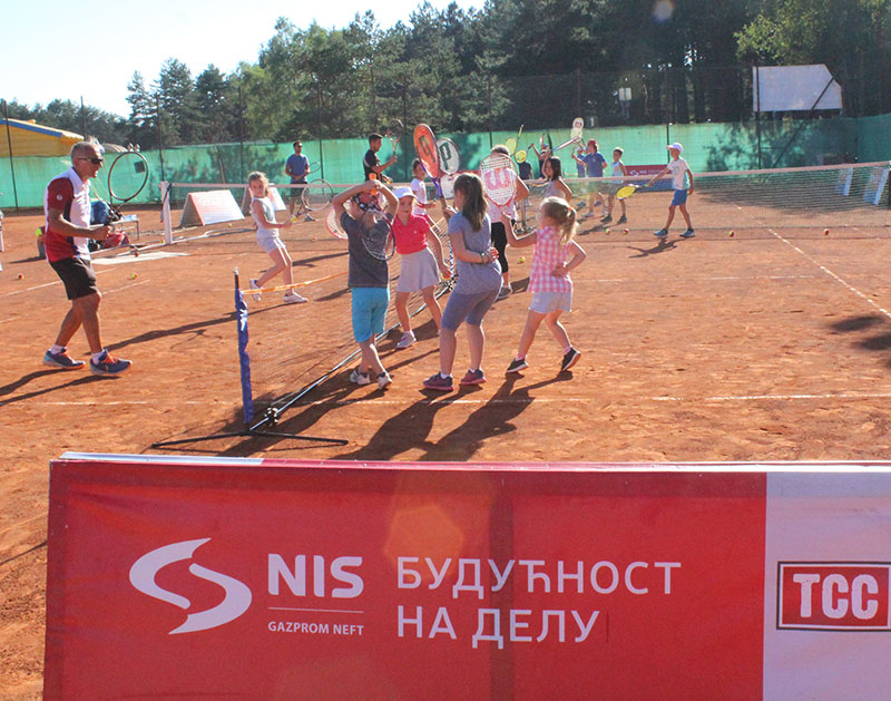 """Održana """"NIS otvorena škola tenisa"""" na Zlatiboru"""